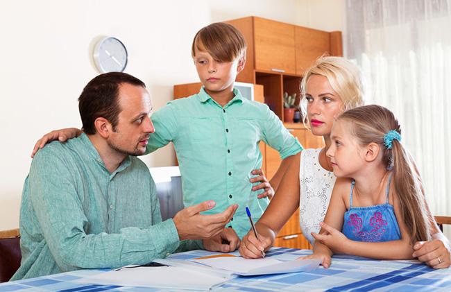 איך לעזור לילדים בגירושין